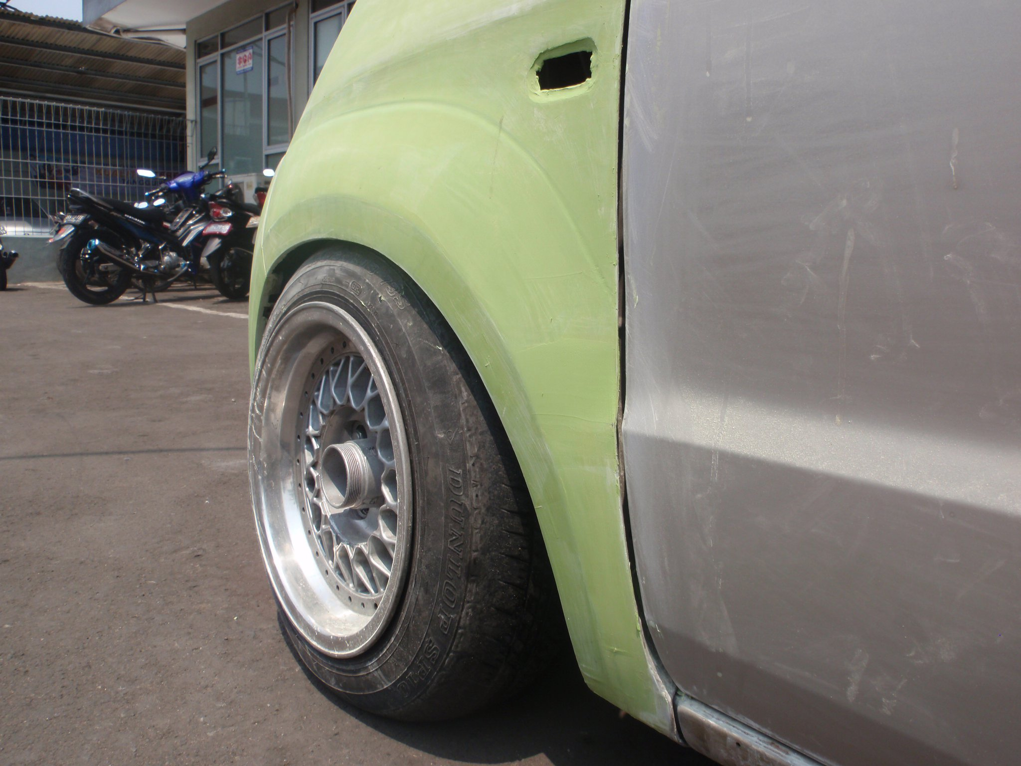 4 Wide body fender depan