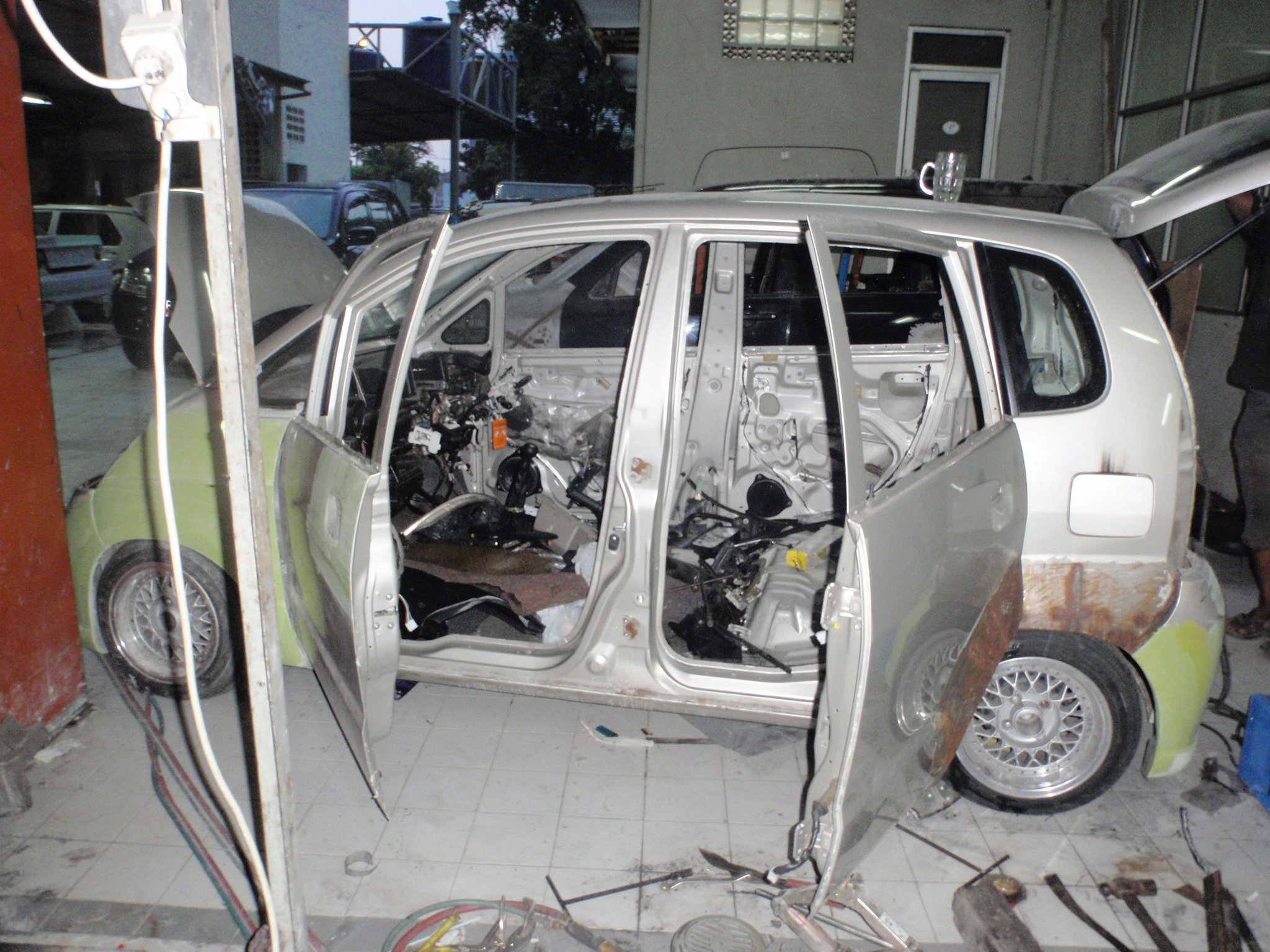 7 Indonesia modification Suicide door